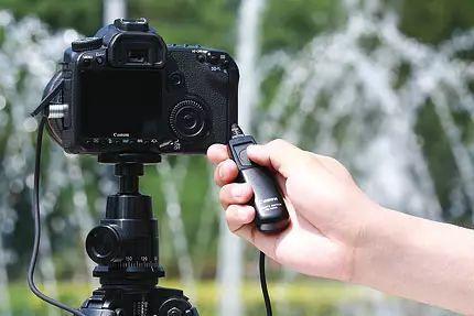 松下以电影为中心的S1H无反光镜相机可以拍摄6K视频
