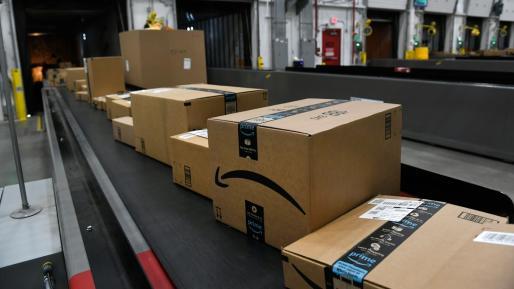 亚马逊暂停非必需品的进货以优先运送家庭用品
