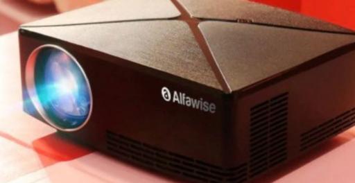 带有液晶显示屏的AlfawiseA80智能投影仪售价88.99美元