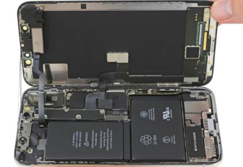 苹果iPhoneX用户已开始抱怨由于严重降级限制而缩短了电池计时