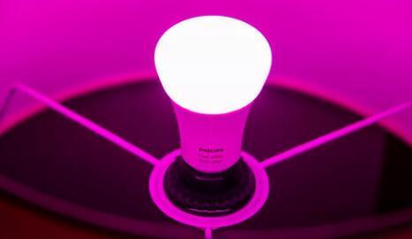 使用飞利浦Hue灯泡升级固件以防止新发现的漏洞