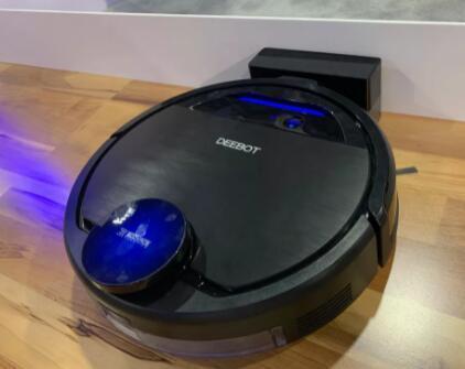 这款2合1机器人可以同时进行吸尘和拖把操作
