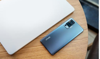 Vivo承诺为X系列手机发布三年更新