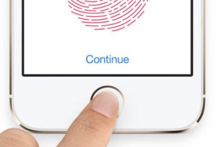 苹果似乎可以再次让用户有机会使用新的屏下TouchID传感器解锁iPhone