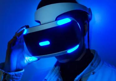 据报道索尼在开发者峰会上详细介绍了下一代PSVR