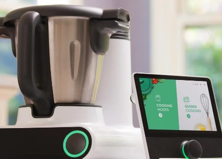 CookingPal的Multo智能电器是一款可以做饭的食品加工机